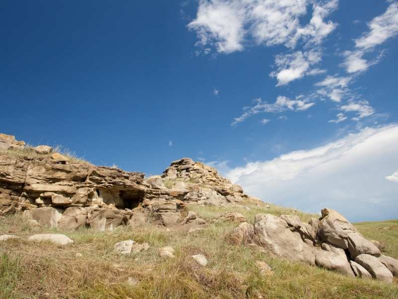 dangerous rocks for the buffalo at the buffalo jump