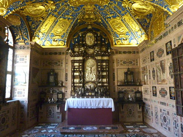 munich residenz_ornate chapel