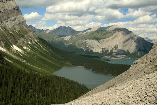 rocky-mountains-alberta