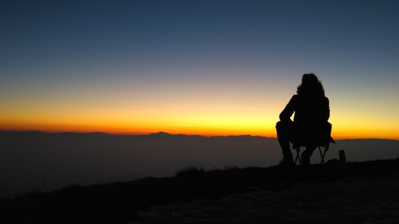 how to deal with loneliness when living abroad