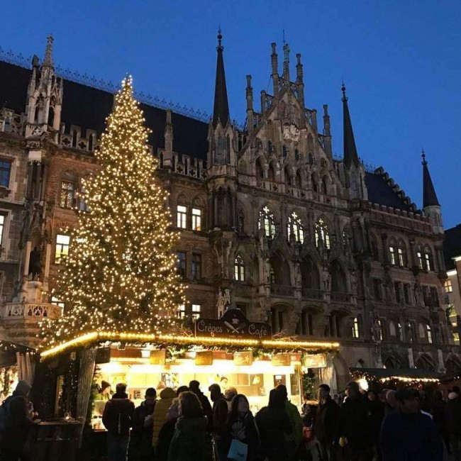 Christmas market at Marienplatz is the most beautiful market in Munich.