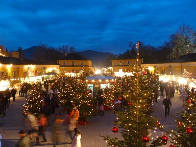 hellbrunn palace market in salzburg - European Christmas Tree