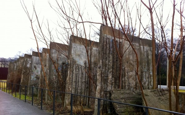 berlin wall_trees