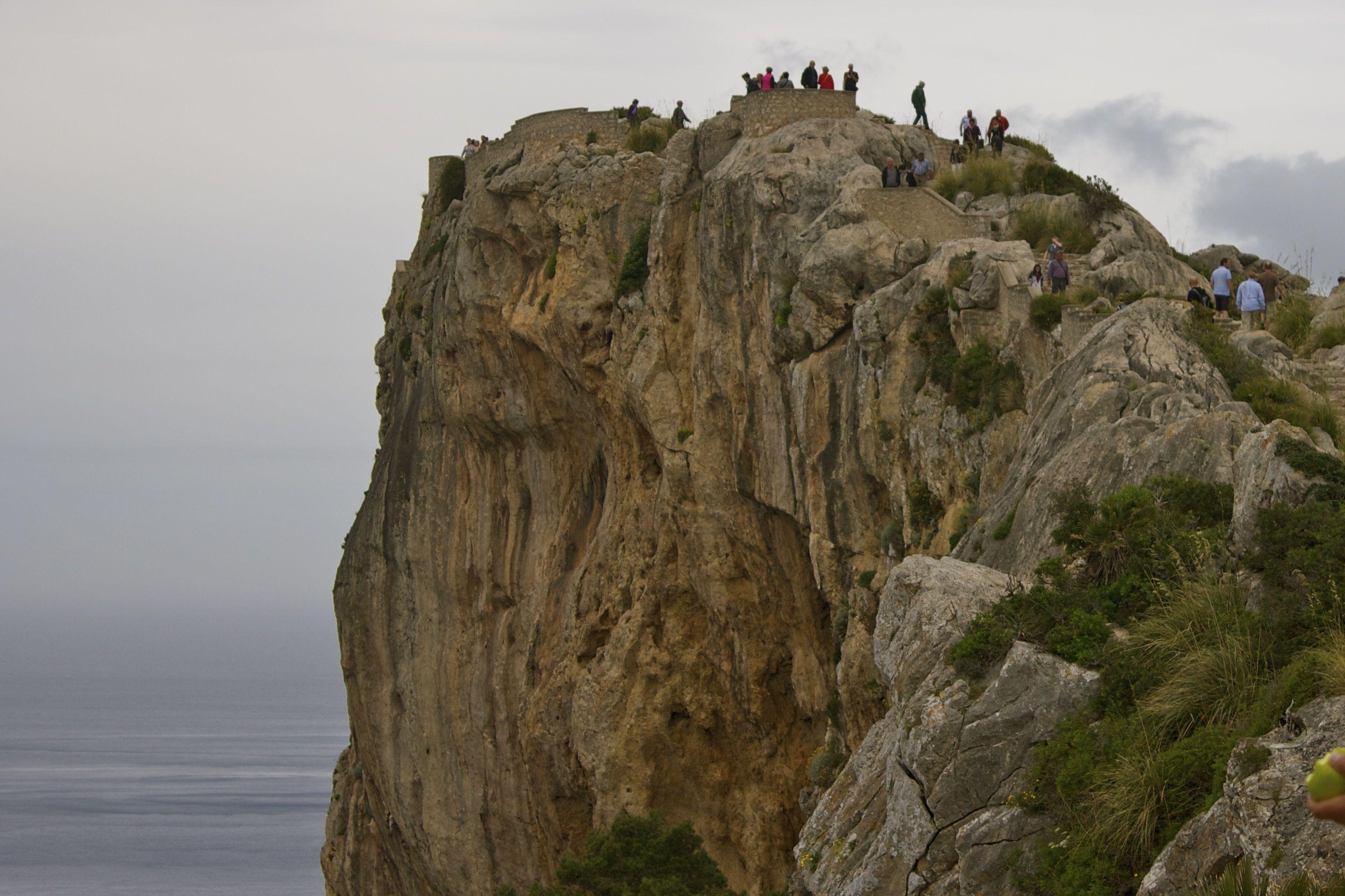 adventure travel in Mallorca: hiking