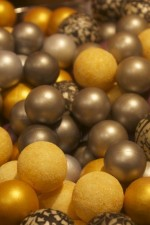 Optimized-Les halles de Lyon - chocolate balls