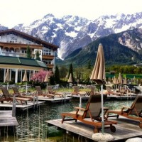 Alpenresort Schwarz outdoor pool1