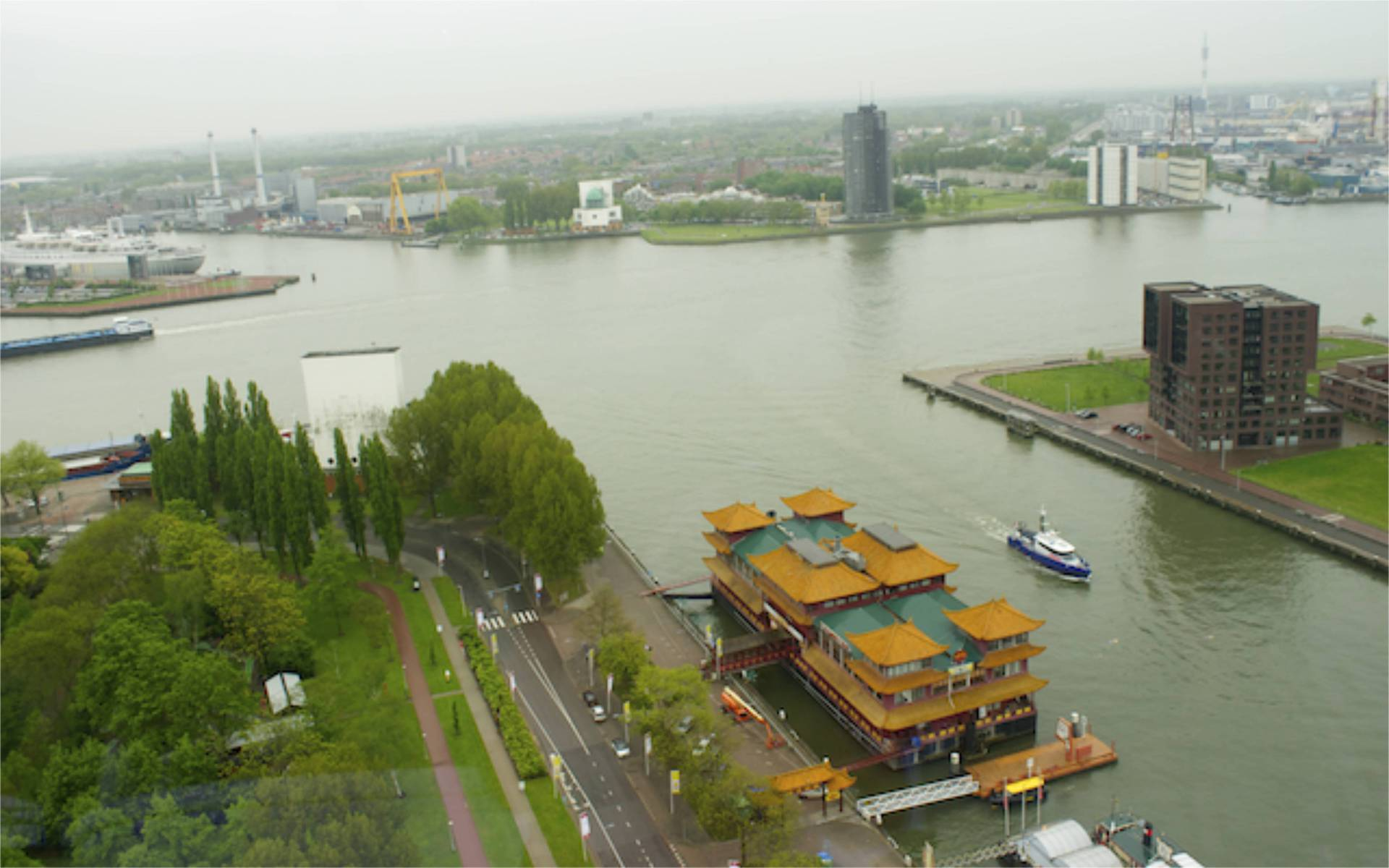 Beautiful views over Rotterdam  from the Euromast.