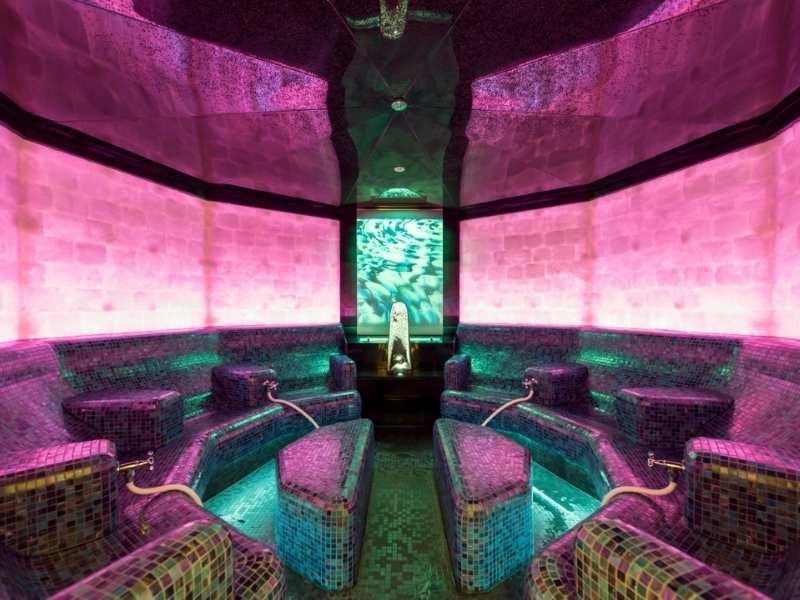 mineral bath at the Aqua Dome Wellness Hotel