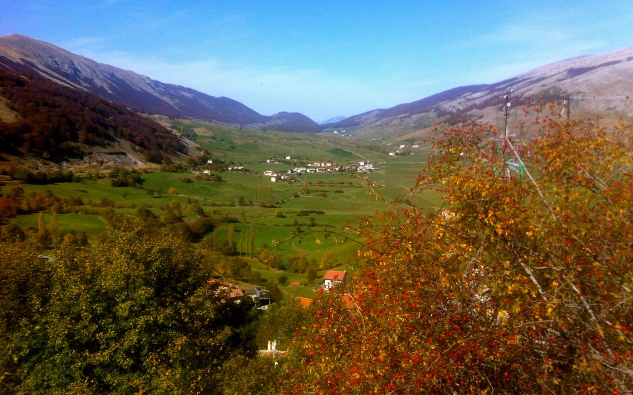 Valleys and mountains seen from the village of Pescocostanzo