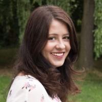 Laurel Robbins, adventure travel blogger living in Germany