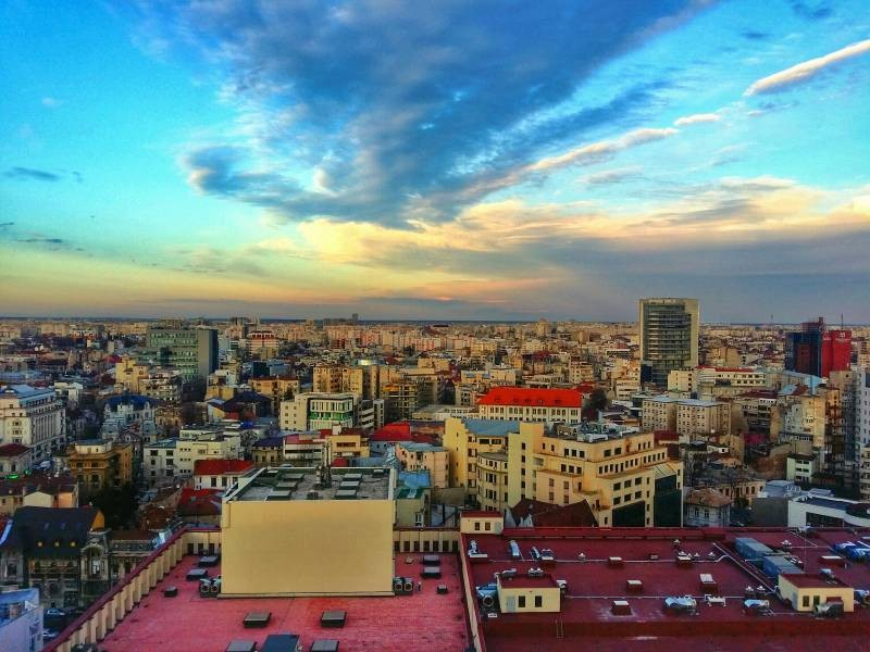 Why Evening is the Best Time to Sightsee in Bucharest, Romania