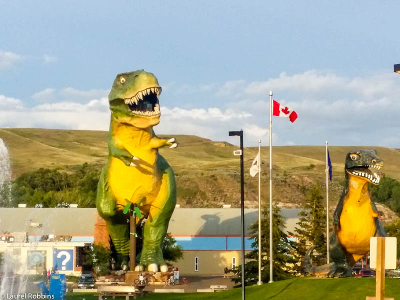 world's largest dinosaur in Drumheller, Alberta