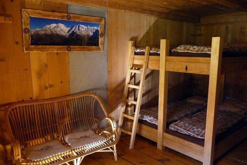 dormitory accommodation on the TMB