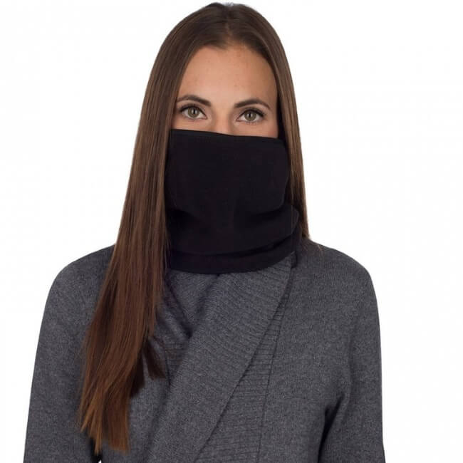 winter hiking gear should include a neck warmer