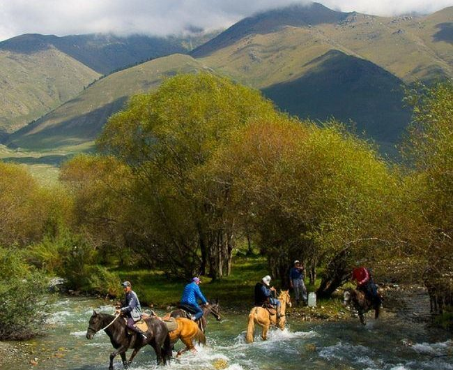 kyrgyzstan_travel