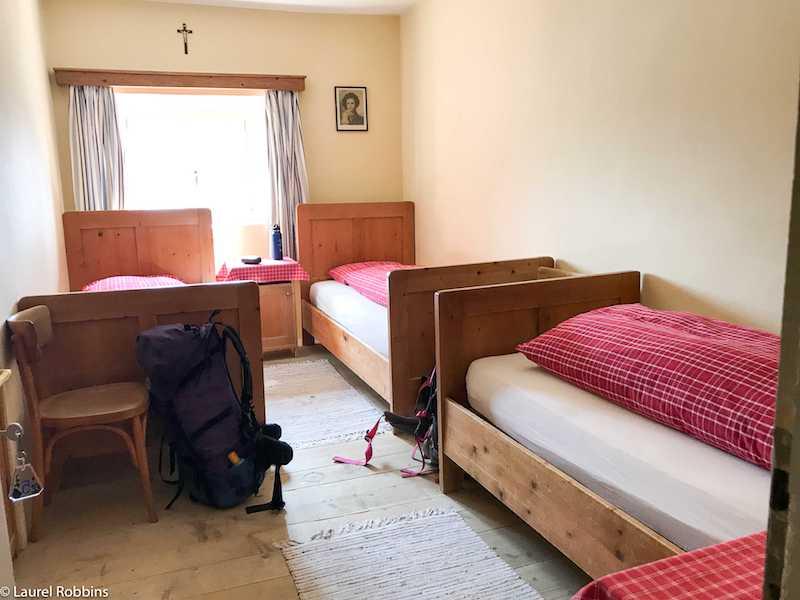 Dolomites hiking rifugio accommodation-1