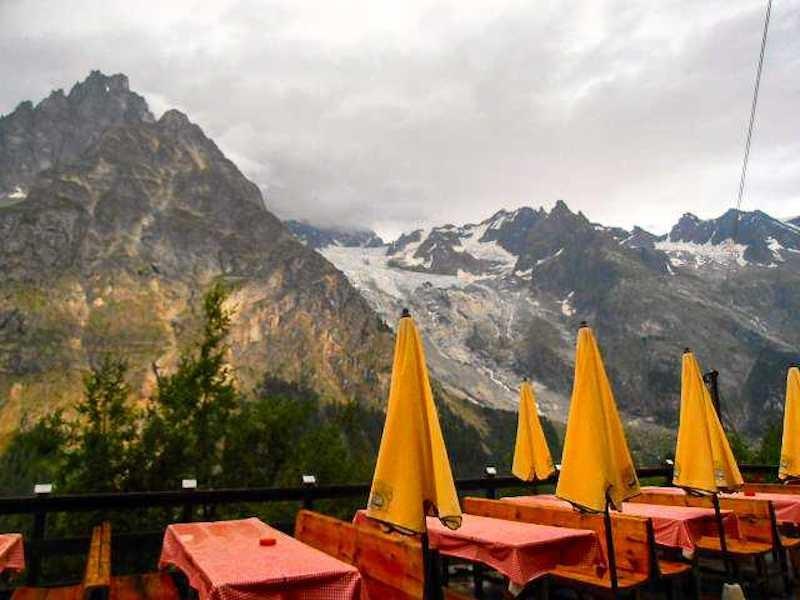 tour du mont blanc mountain hut