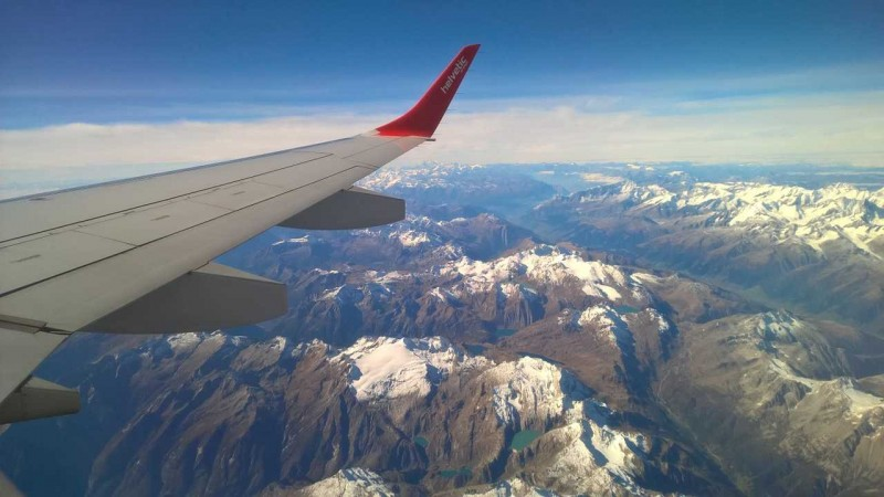 how to reduce your carbon footprint when you fly