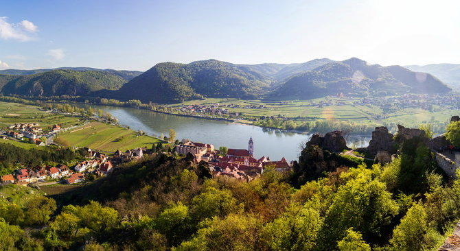 cycling Danube through the scenic Wachau Valley