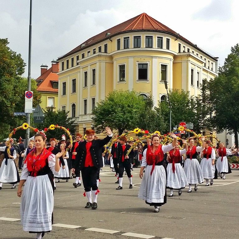Oktoberfest parade participants entering the grounds in Munich.