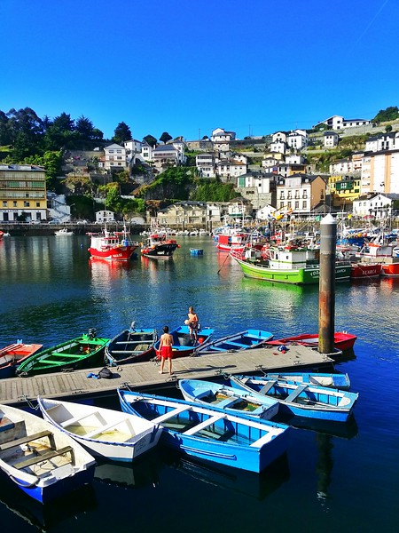 Luarca is known to have one of the most beautiful harbours in all of Spain.