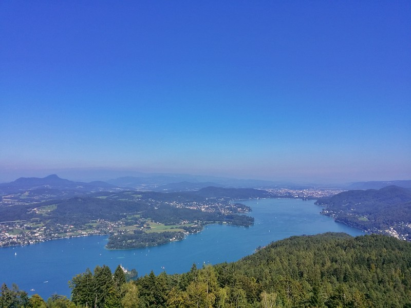 Stunning views over the Wörthersee and Carinthia from the Pyramidenkogel.