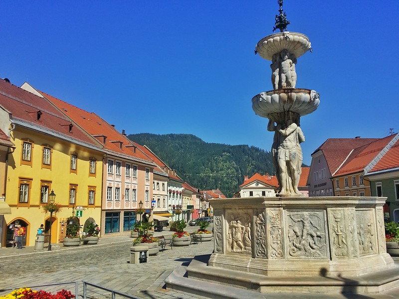 The historic centre of Friesach can easily be explored by visitors on foot.