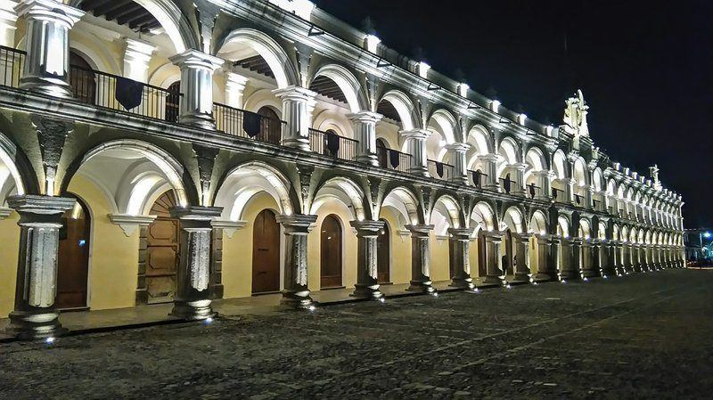 the colonial architecture is one of the reasons to visit Antigua, Guatemala