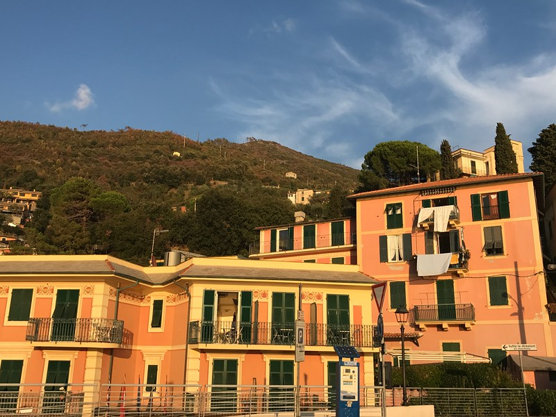 hiking from Levanto to Bonassola is a great way to ease into hiking the Cinque Terre