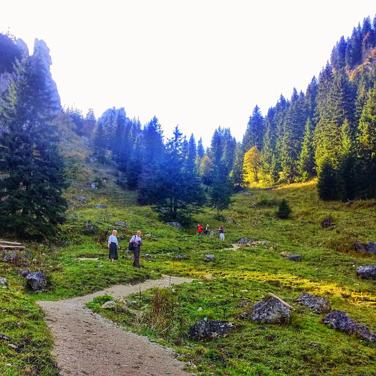 Descending to the Soilasee back to Oberammergau.
