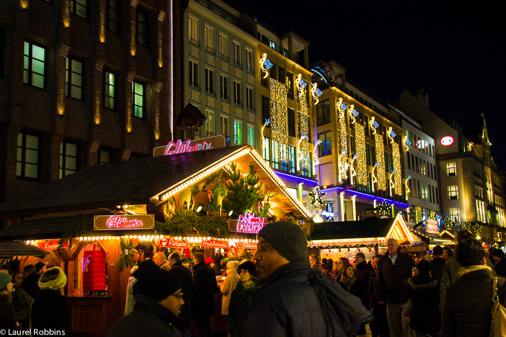 The Munich Christmas Market runs the length of Kaufinger Strasse, a pedestrian shopping street, that is one of the longest in Germany.