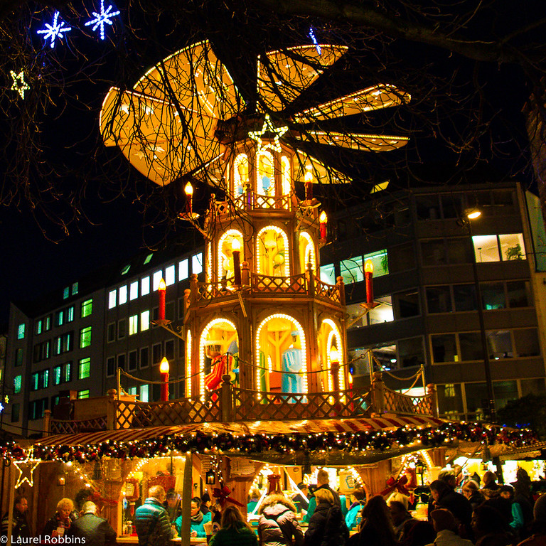 Christmas pyramid at Sternenplatzl, Rindermarkt, Munich, Germany