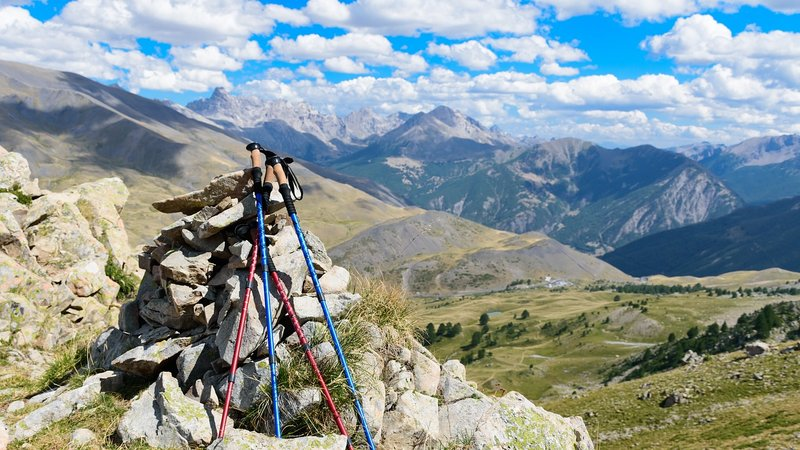 Best Hiking Poles for 2019