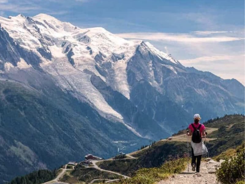 on the TMB you can hike in 3 different countries, a novelty if you're just starting to hike.