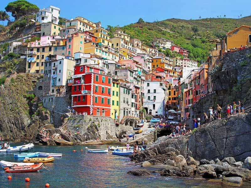 explore the village of Vernazza on your Cinque Terre walking tour
