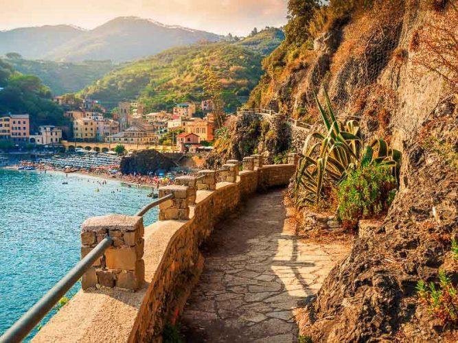 walking trail in Cinque Terre