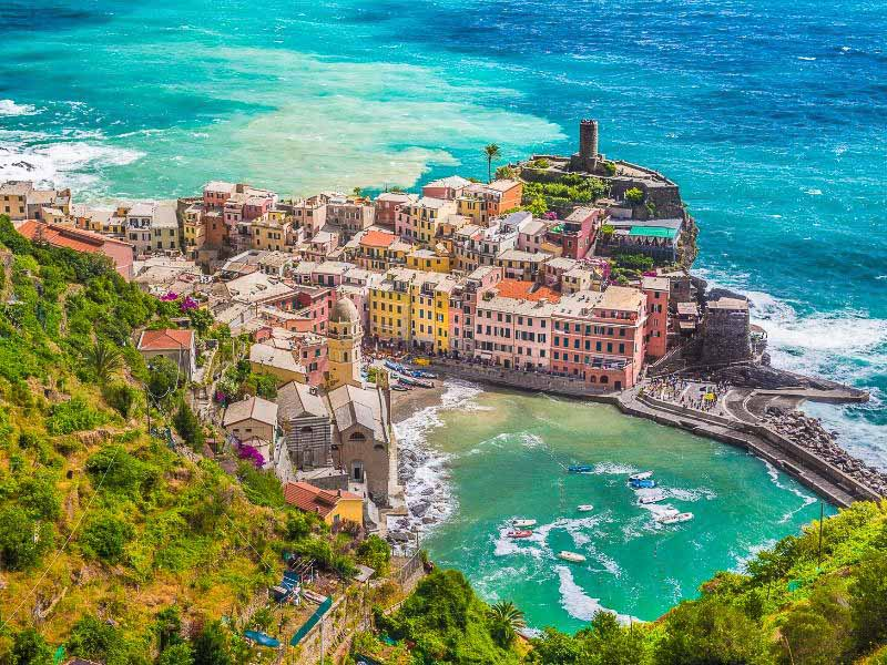 you get amazing views when walking in Cinque Terre