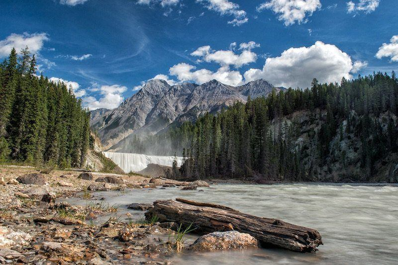 If you are looking for exciting things to do in Yoho National Park, make sure to stop and admire the wonderful Wapta Falls.