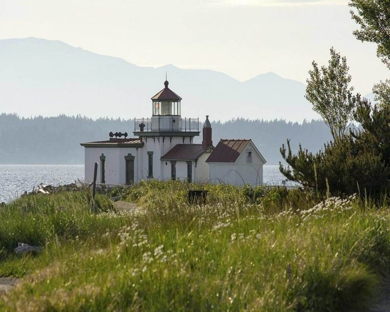 The hike to the Lighthouse in Discovery Park is one of the most popular hikes near Seattle