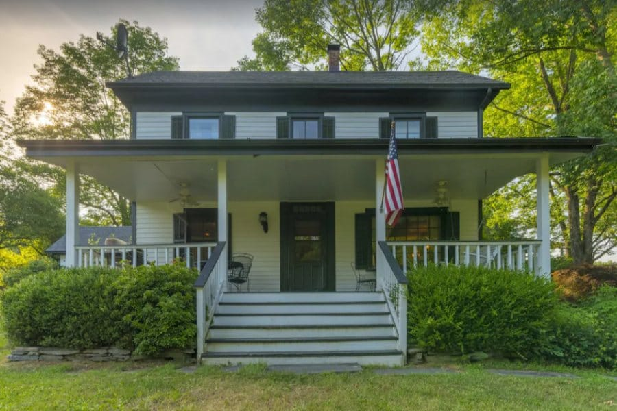 Historic 1800s Farmhouse in Milford Pennsylvania is a cool place to stay