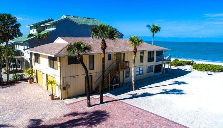 Enjoy a spacious and wonderful beach house rental on your next vacation