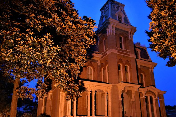 Explore another side of Memphis on this ghost tour