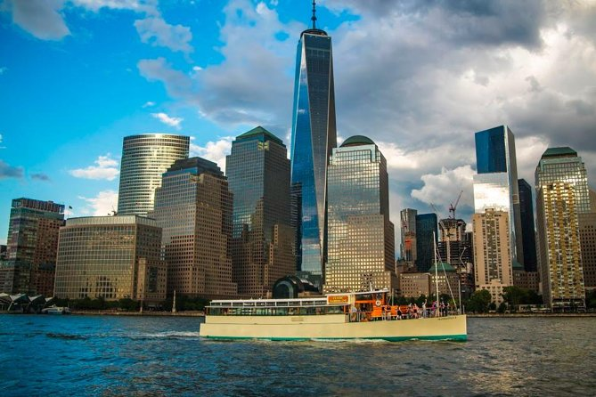 Take a cruise to really appreciate what New York has to offer in perfect views.