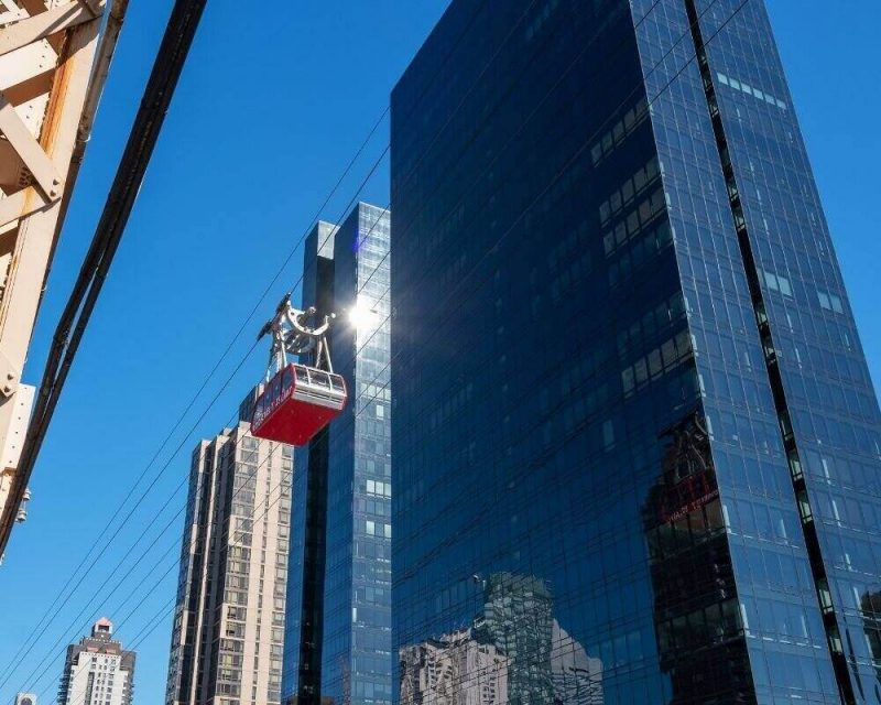 Take the Roosevelt Island sky tram to discover new views of the NYC skyline.