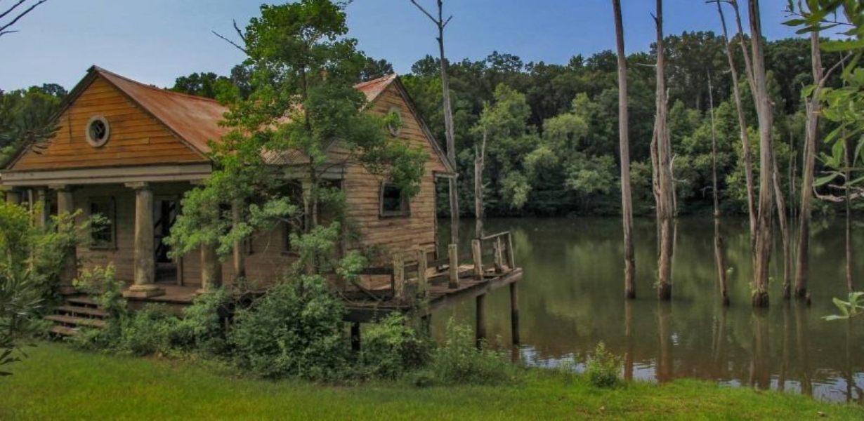 Cabins in Florida Everglades