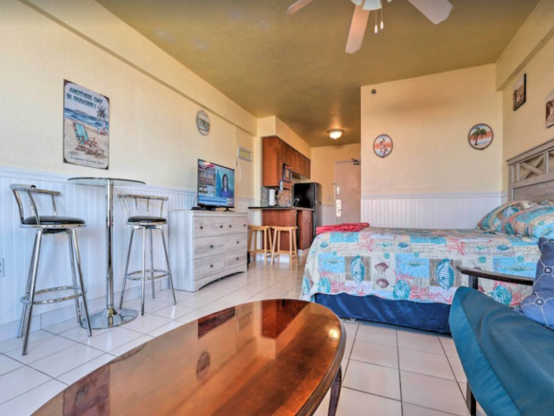 Enjoy beach access and a comfortable stay at this VRBO in Daytona Beach