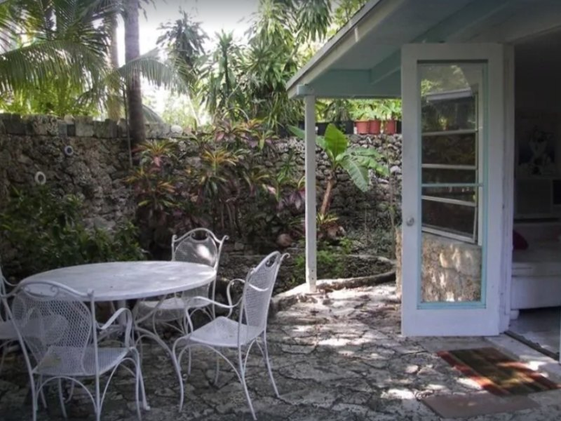 South Grove Cottage on VRBO