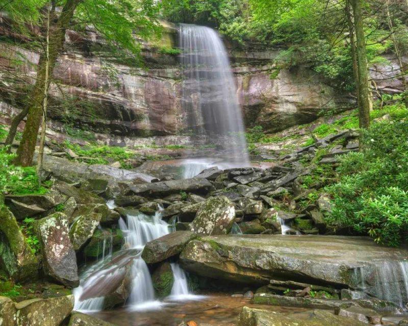 Rainbow Falls Trail - Hiking in the Smokies