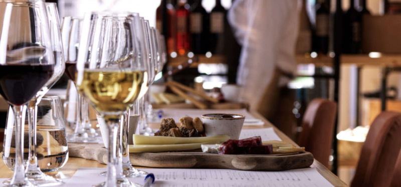 Enjoy the tastes of Greek wines and cuisine in Athens