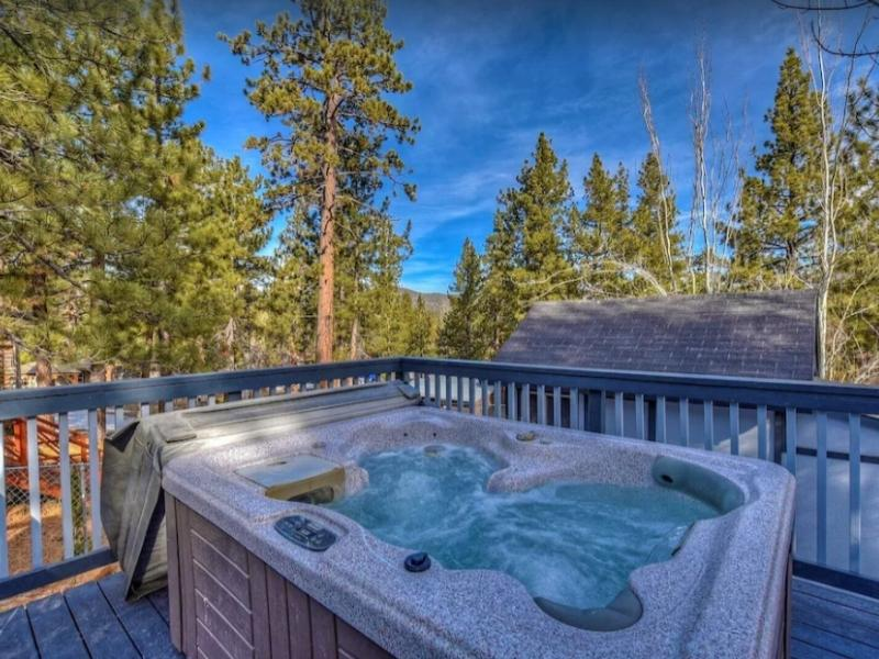 This charming cottage is the perfect Big Bear rental